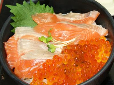 極み鮭いくら丼