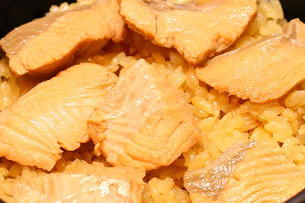 鮭の炊き込みごはん