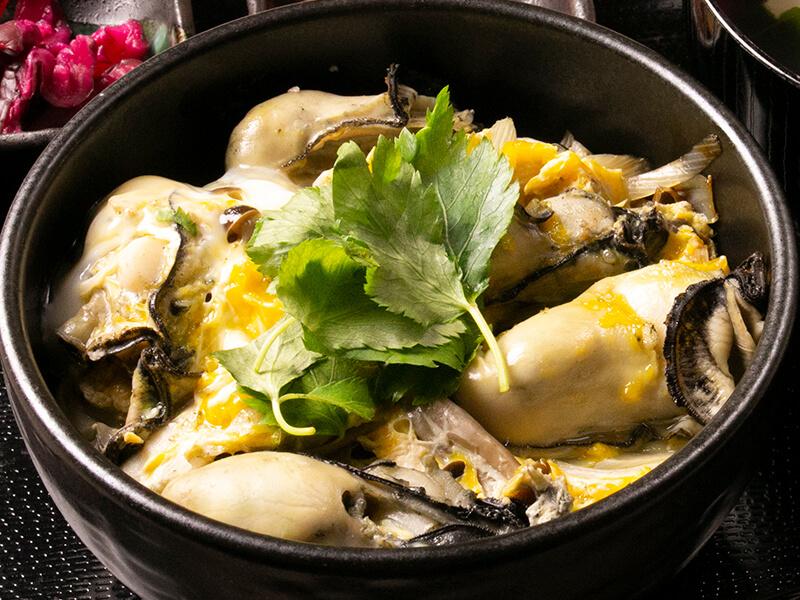片倉商店 牡蠣卵とじ丼